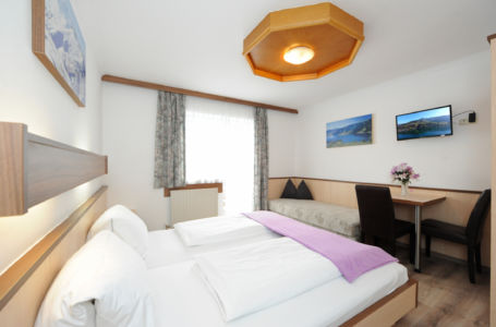 """Appartement """"Birnhorn""""  Schlafzimmer 1"""