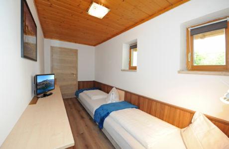"""Appartement """"Birnhorn""""  Schlafzimmer 2"""