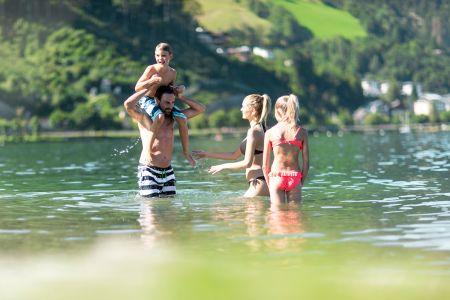 Badevergnügen im Zeller See